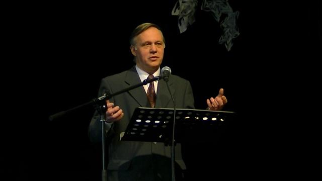 Jerzy Karzełek Rz 12,1-9 Bóg udziela darów, aby ofiarnie budować Kościół